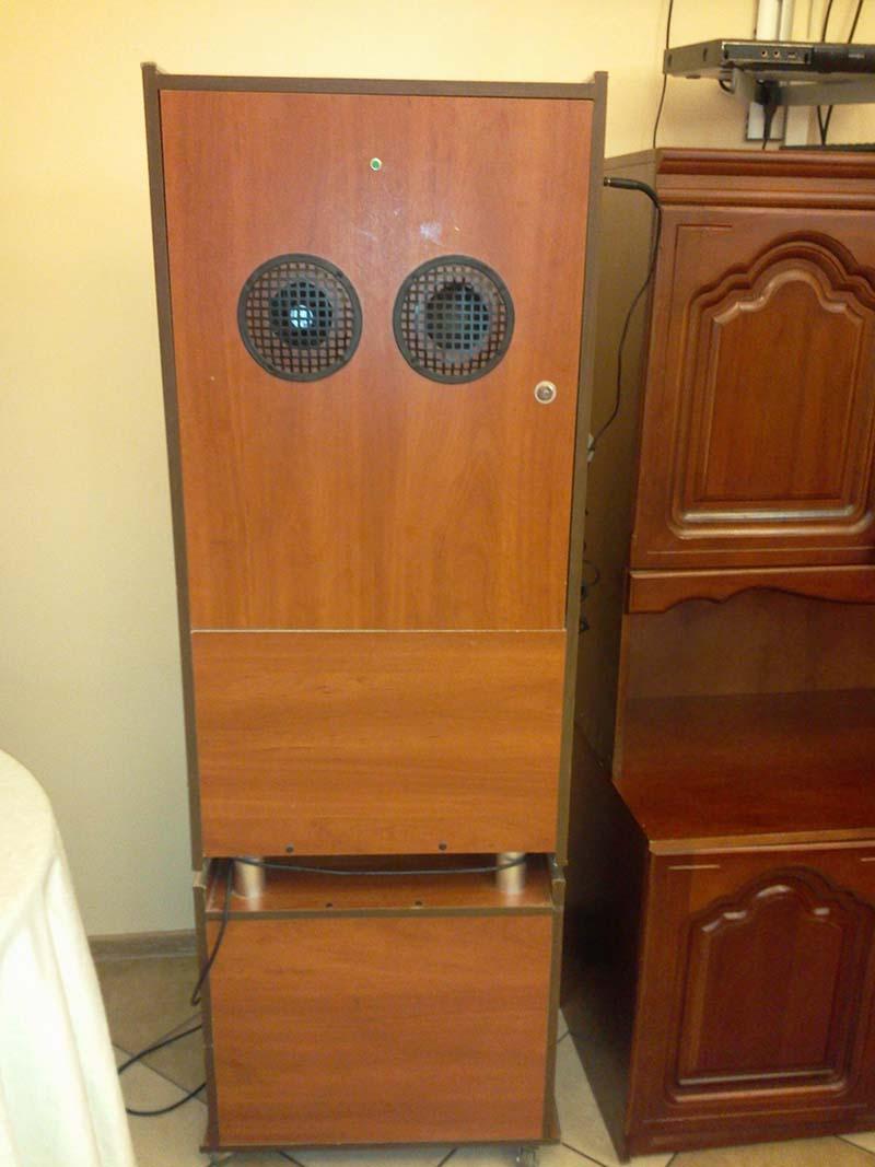 Музыкальный автомат задние колонк
